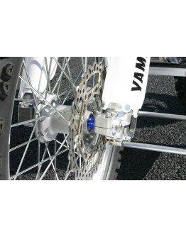 Vymedzenie predného kolesa YZ 125/250 02-07, YZF 250 02-06, YZF 450 03-07